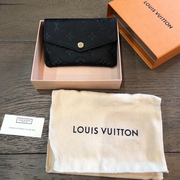 Louis Vuitton Handbags - Brand new 100% authentic Louis Vuitton key holder